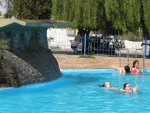 foto de piscina con cascada